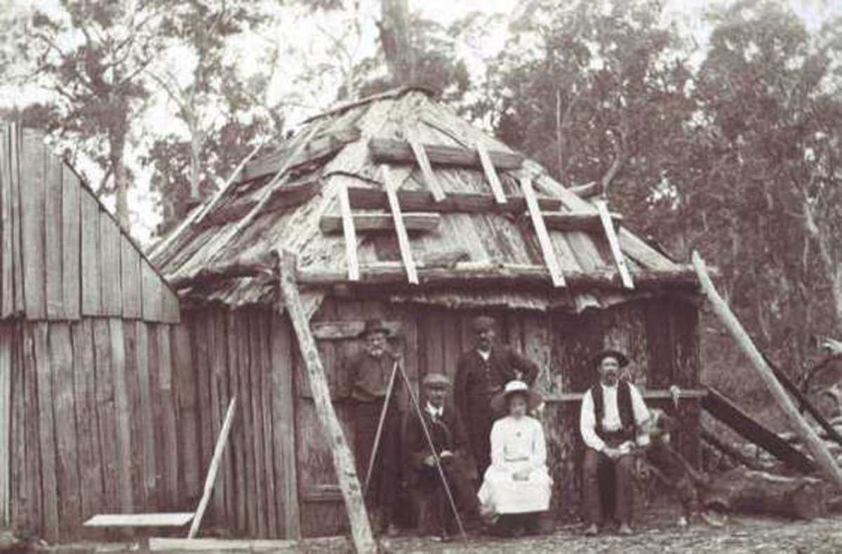 Bush Hut possibly built on land granted to a convict family to encourage a normal family life.