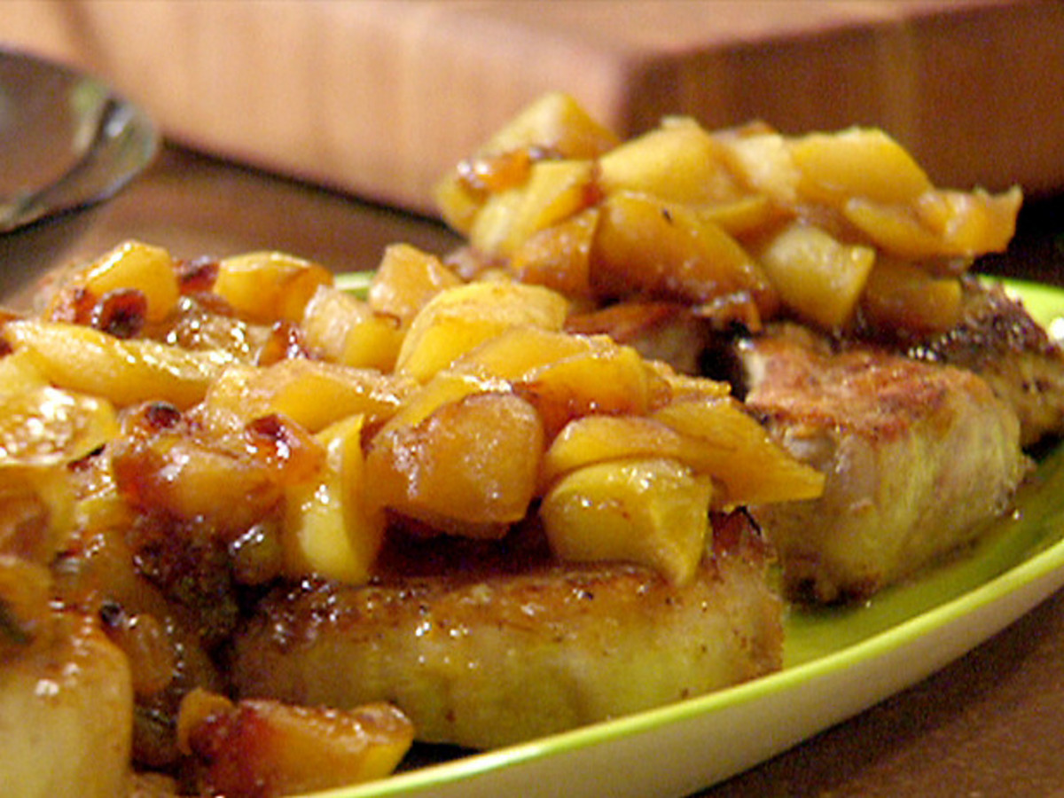 Slow Cooker Turkey Chops and Apples