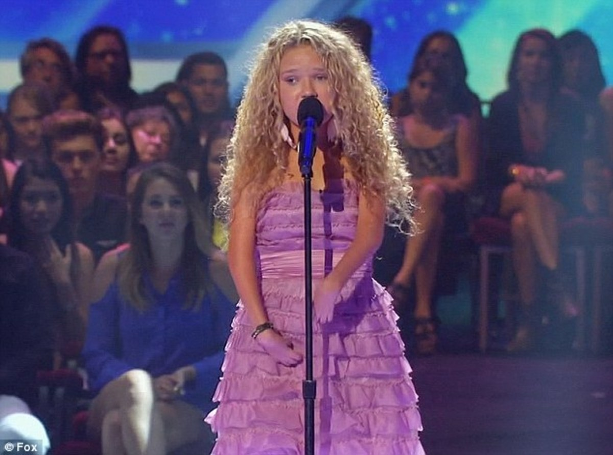Rion Paige singing on The X Factor
