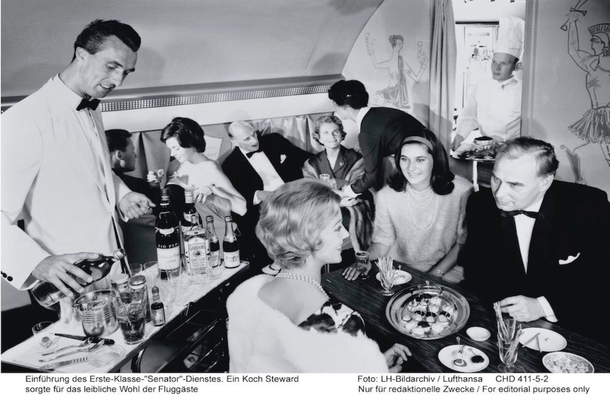 Food served by airlines on early flights