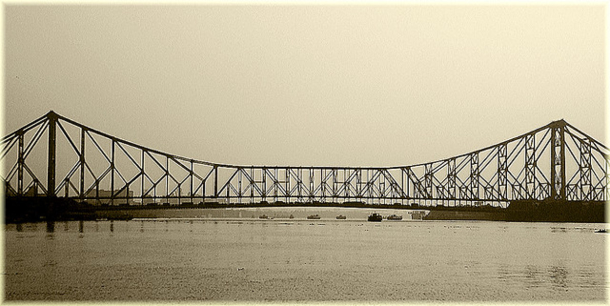 Paan holds a rare distinction among food items for potentially compromising the structural integrity of a cantilever bridge. After being chewed up & spat out, the acidic ingredients have been found to damage key struts of The Howrah Bridge (pictured)