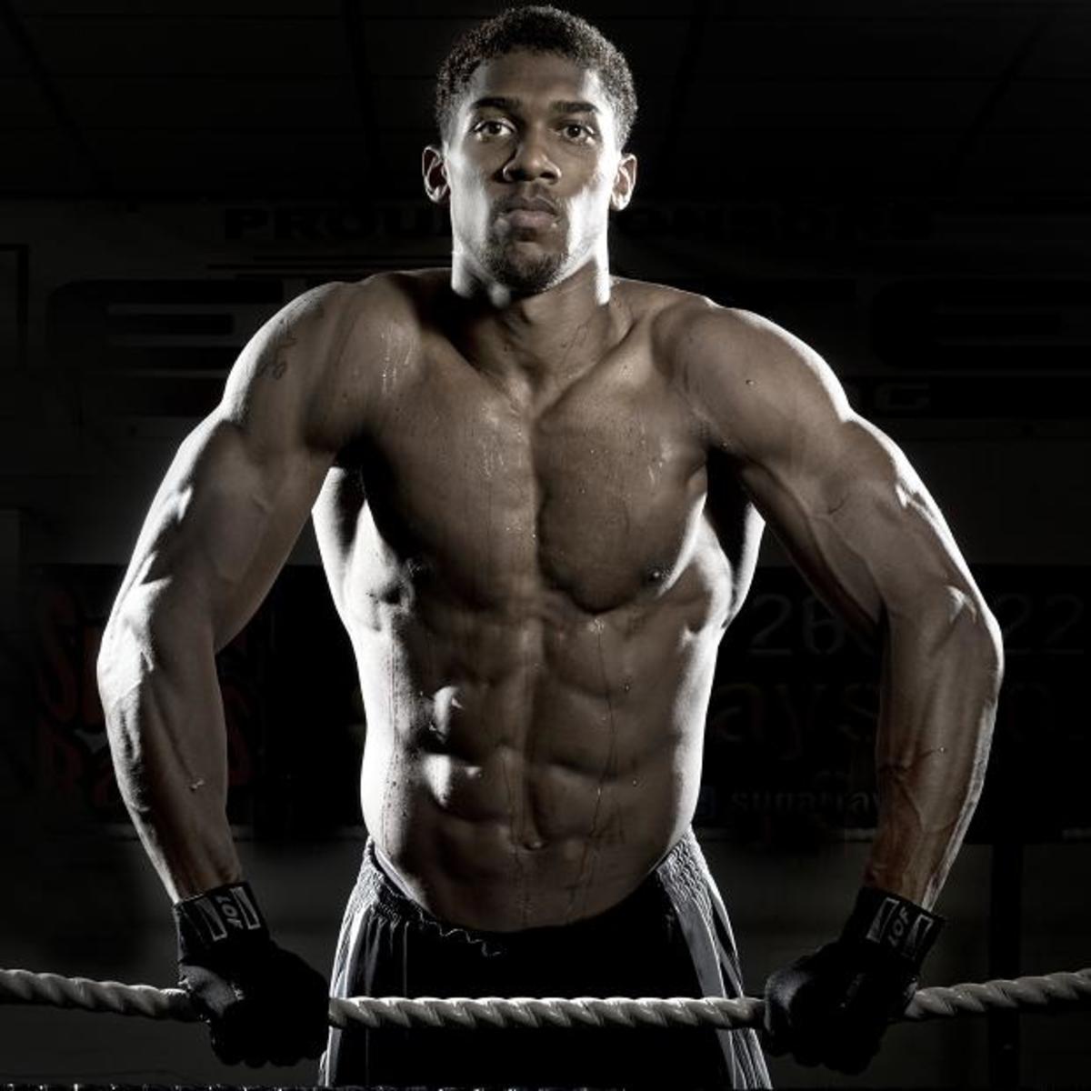 8 Hottest Black Boxers