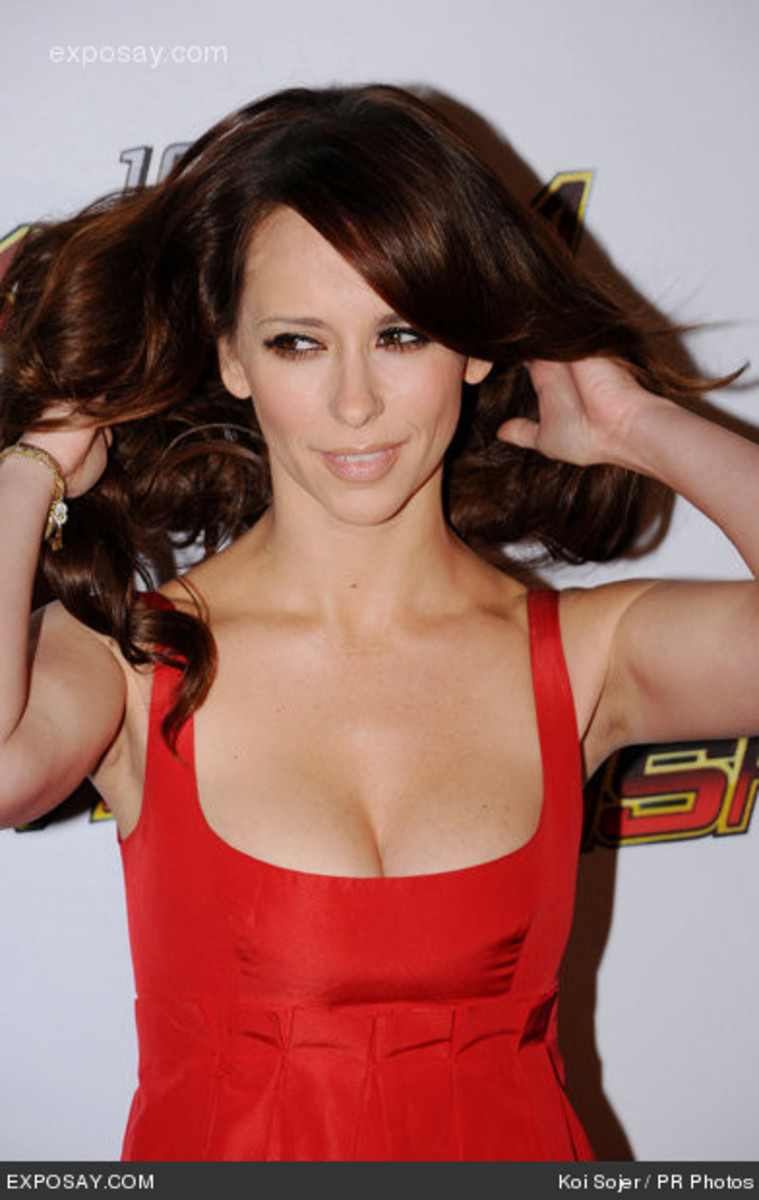 Jennifer Love Hewitt has gorgeous thick hair.