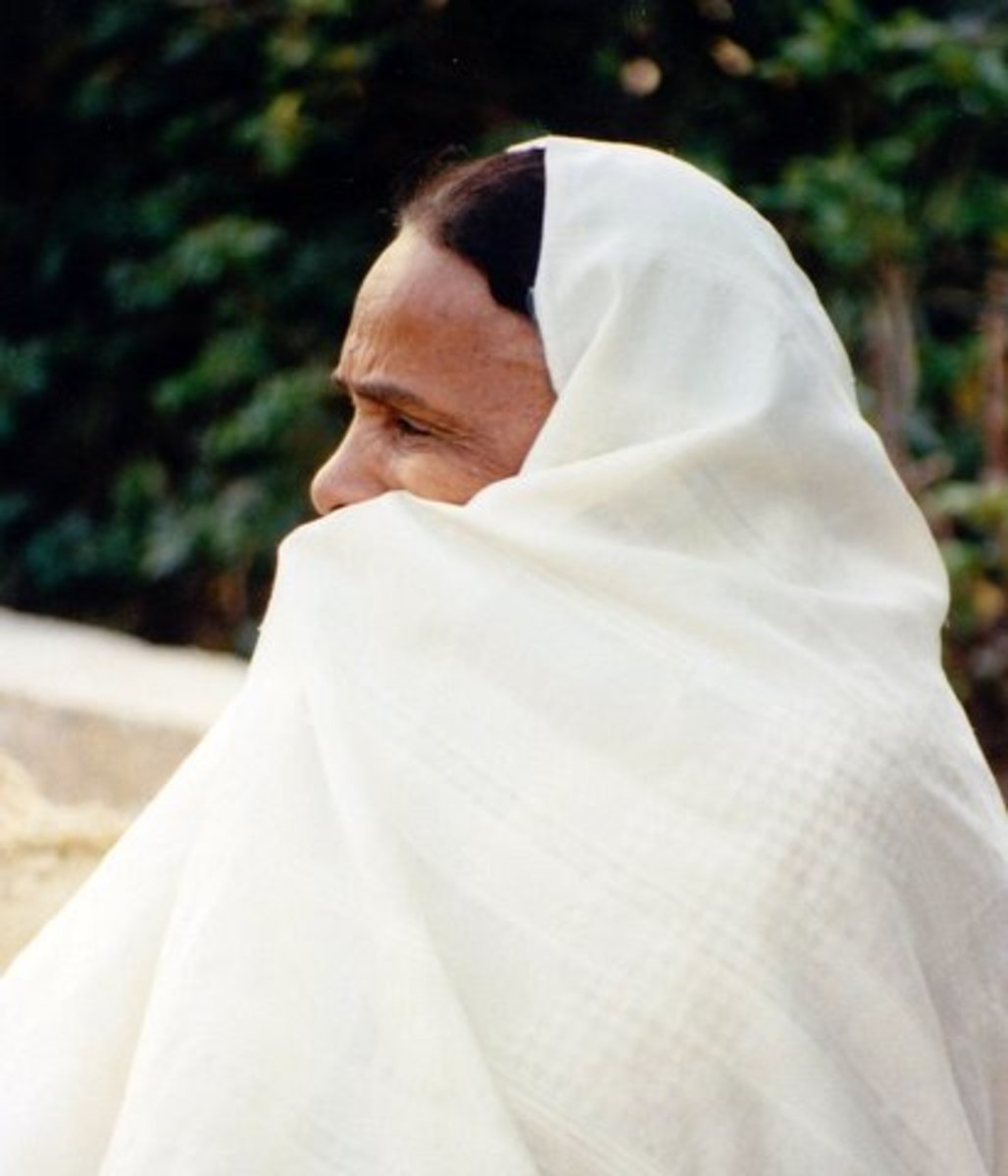 Tunisian woman wearing a haik