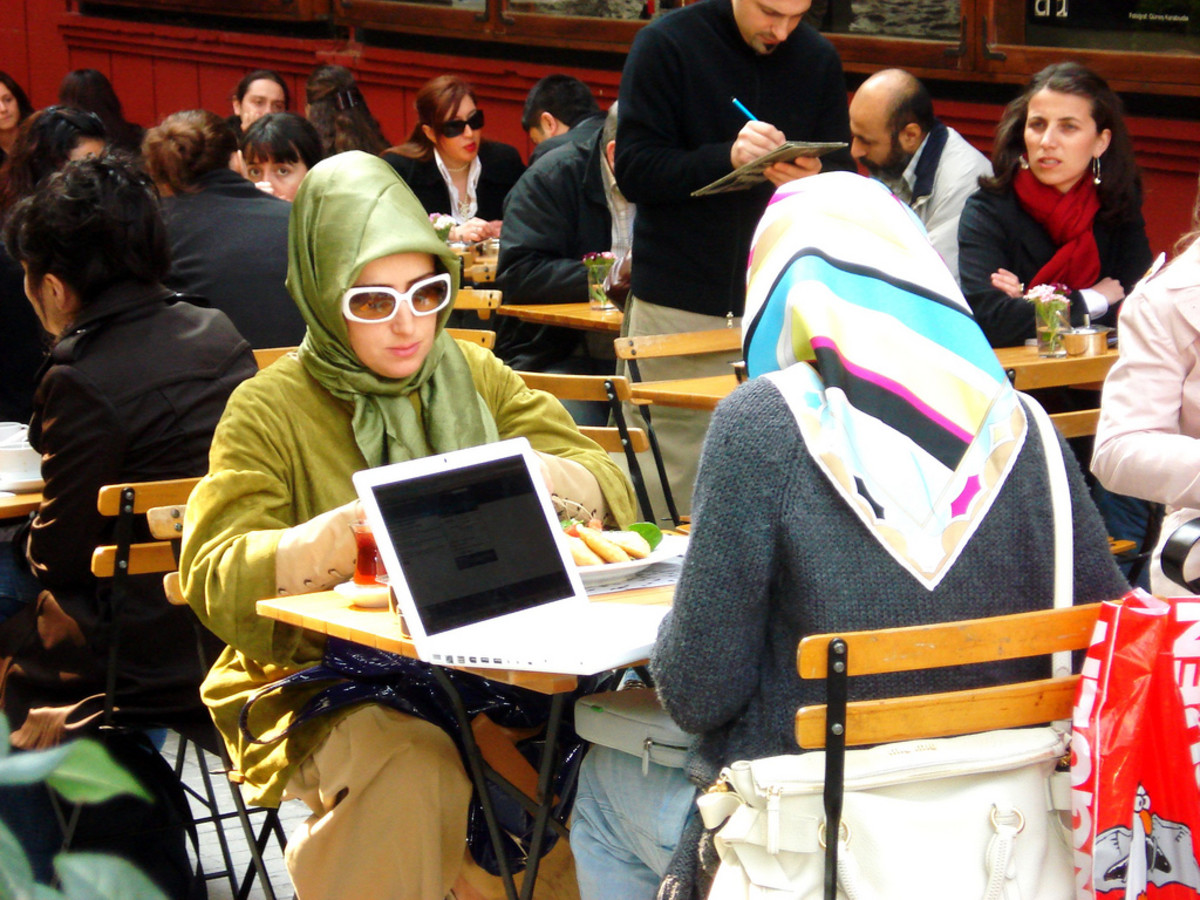 Female student in Turkey wearing her esarp.