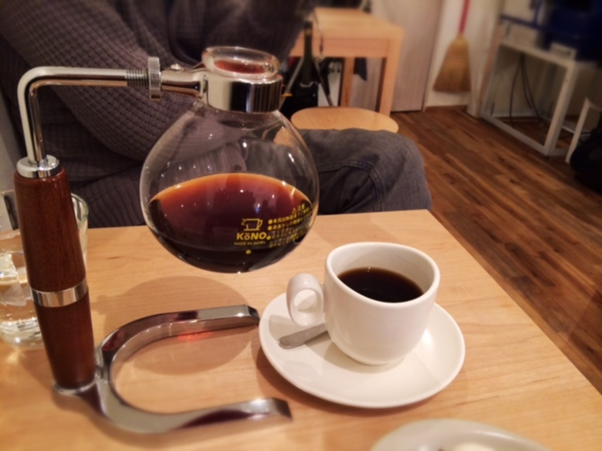 Each coffee is prepared invidivually like this in a siphon. Many varieties to choose from.