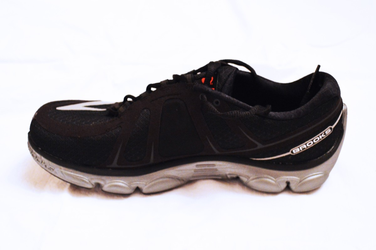 an-illustrated-review-of-brooks-pureflow-3-2-and-1-running-shoes