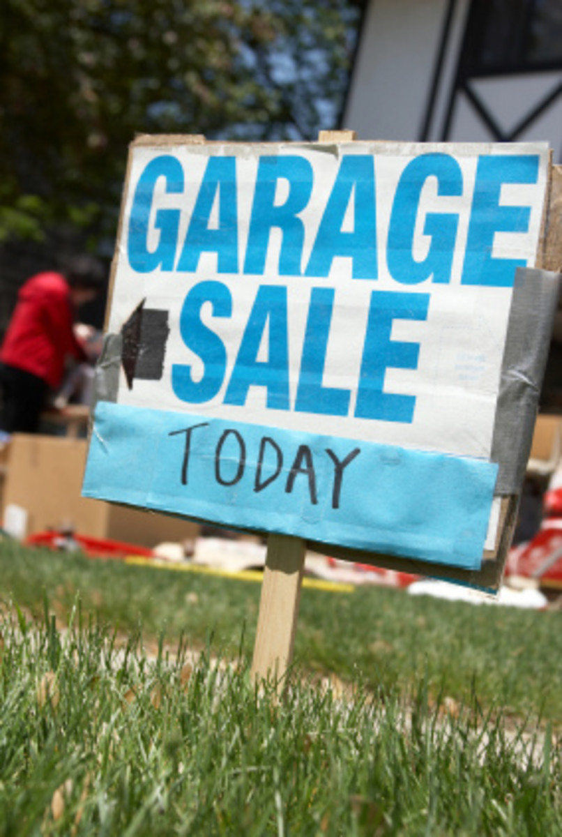 Make your garage sale sign easy to read from the road.
