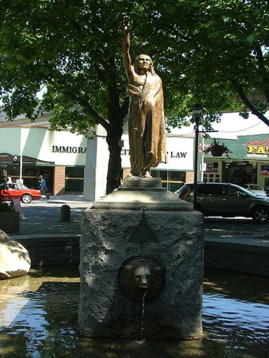 Statue of Chief Seattle, erected 1908, , Tilikum Place, Seattle, Washington. The statue is on the National Register of Historic Places.