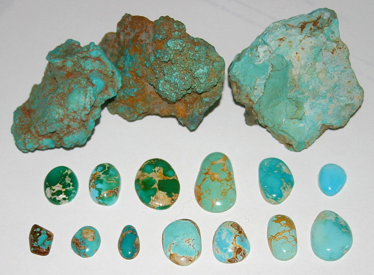 Untreated turquoise, Nevada USA. Rough nuggets from the McGinness Mine, Austin, Nevada; Blue and green cabochons showing spiderweb, Bunker Hill Mine, Royston