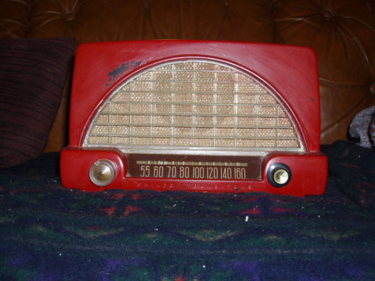 1951 Philco Transitone Table Radio Model 51-532