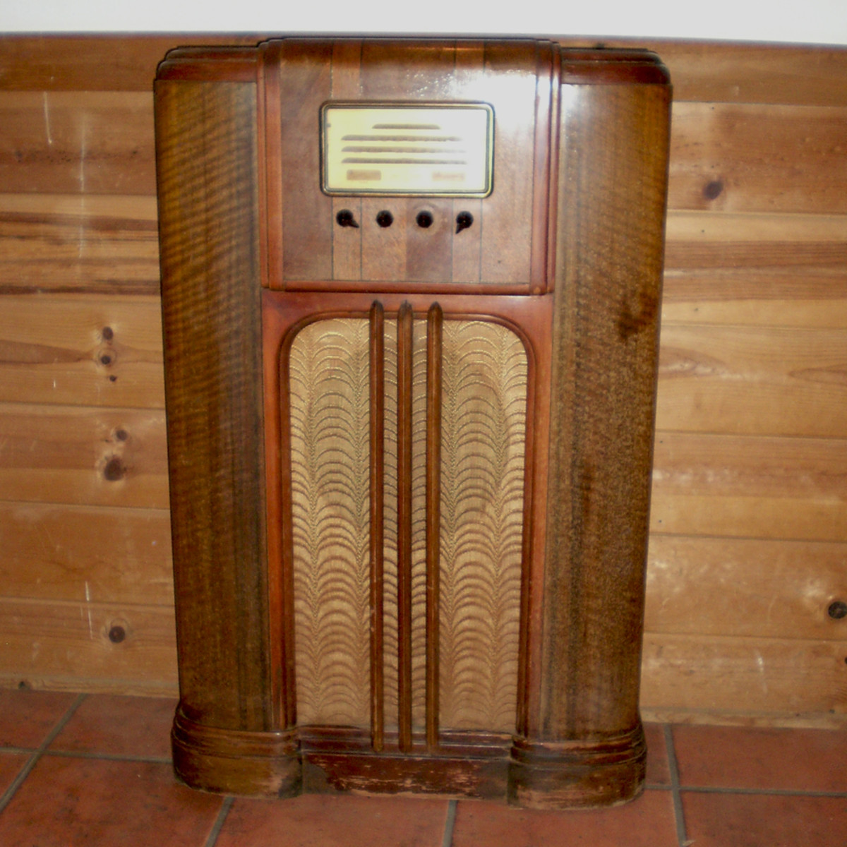 1937 General Electric Wood Console Radio Model F86