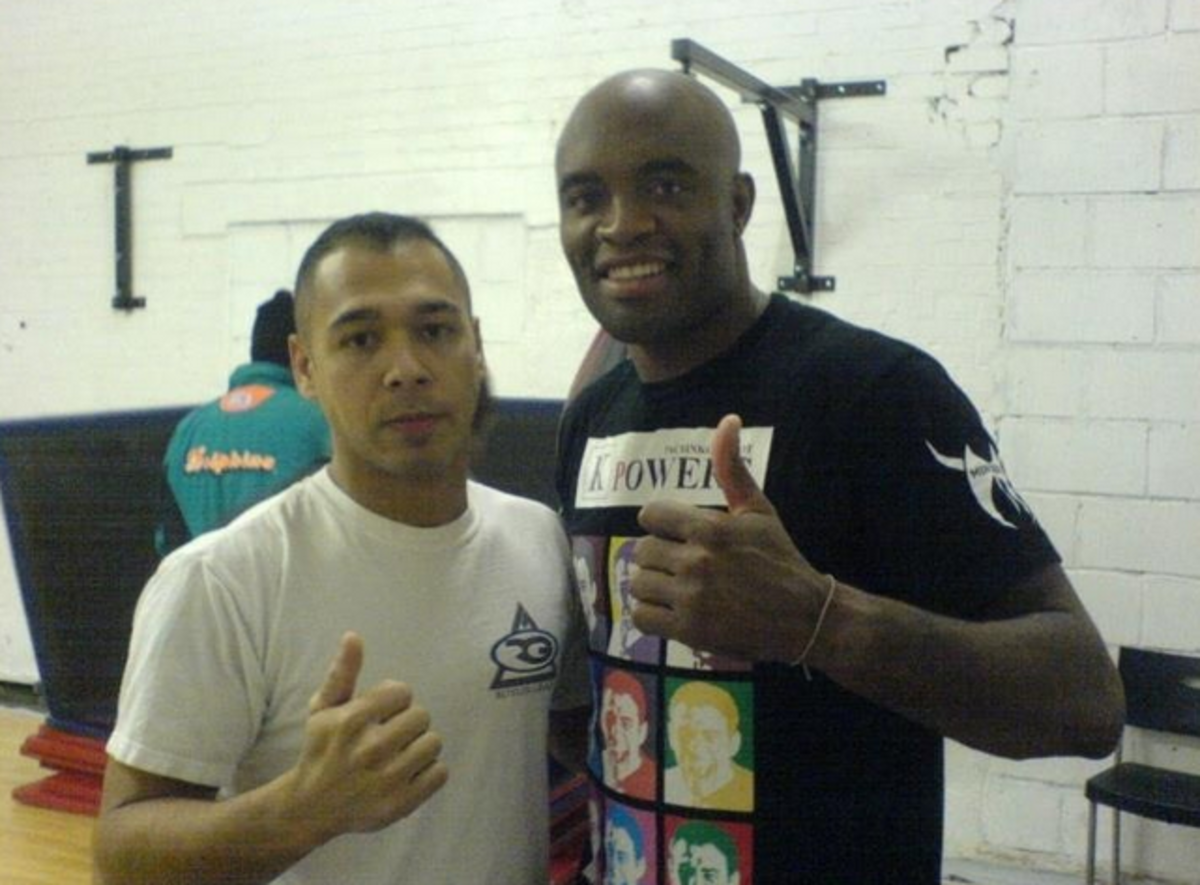 Anderson Silva (on the right).