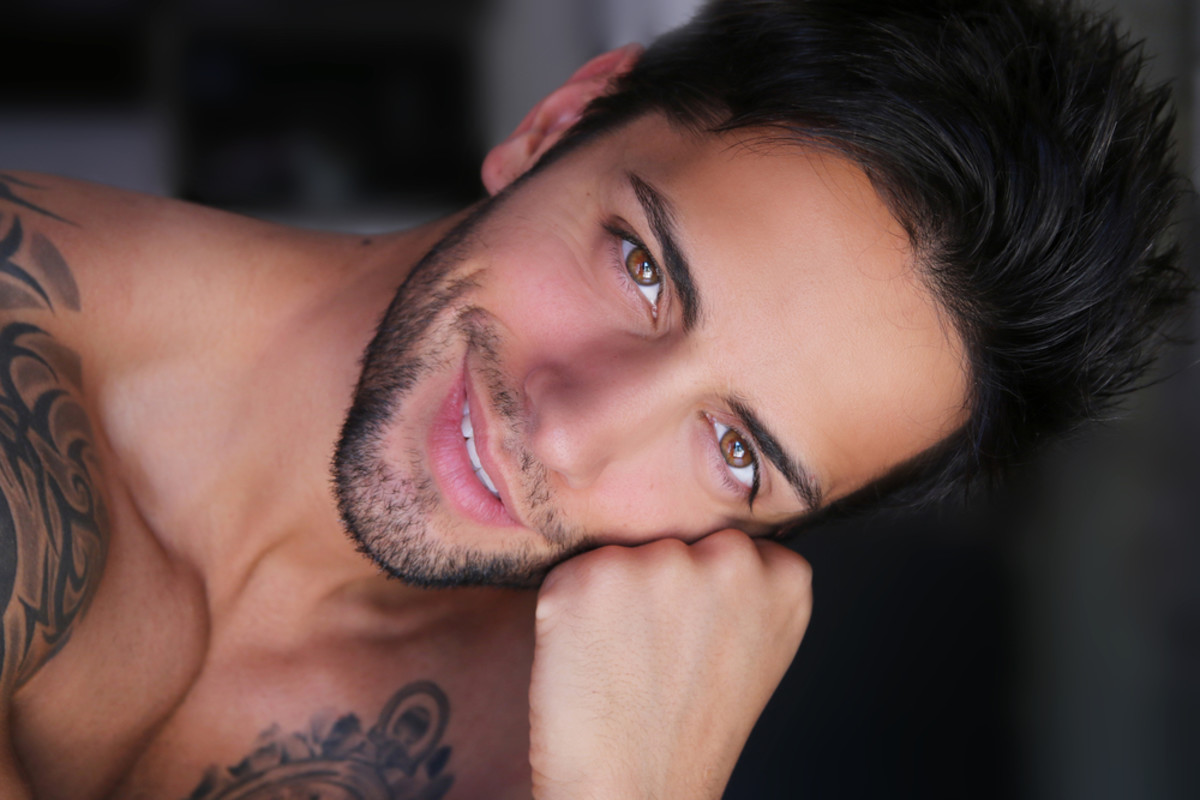 10 First Date Deal Breakers for Gay Men