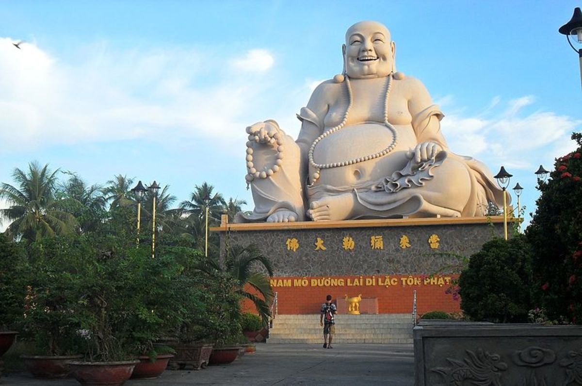 Laughing Buddha is not related to Gautam Buddha, the founder of Buddhism.