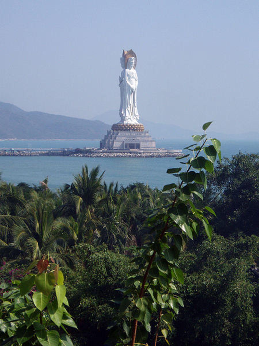 large-buddha-statues