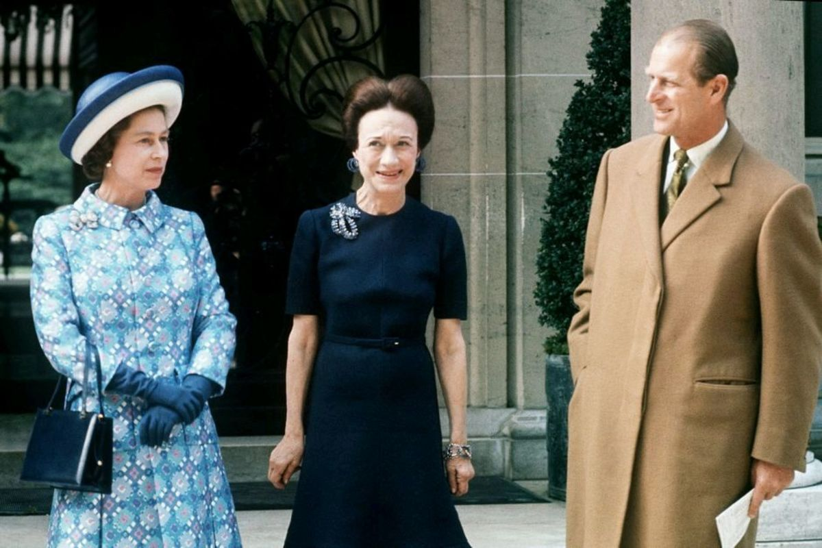 Wallis Simpson meets Queen Elizabeth and Prince Philip in 1972