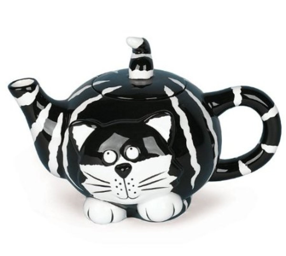 You'll be happy as a cat in cream with this adorable teapot that looks like a cat.