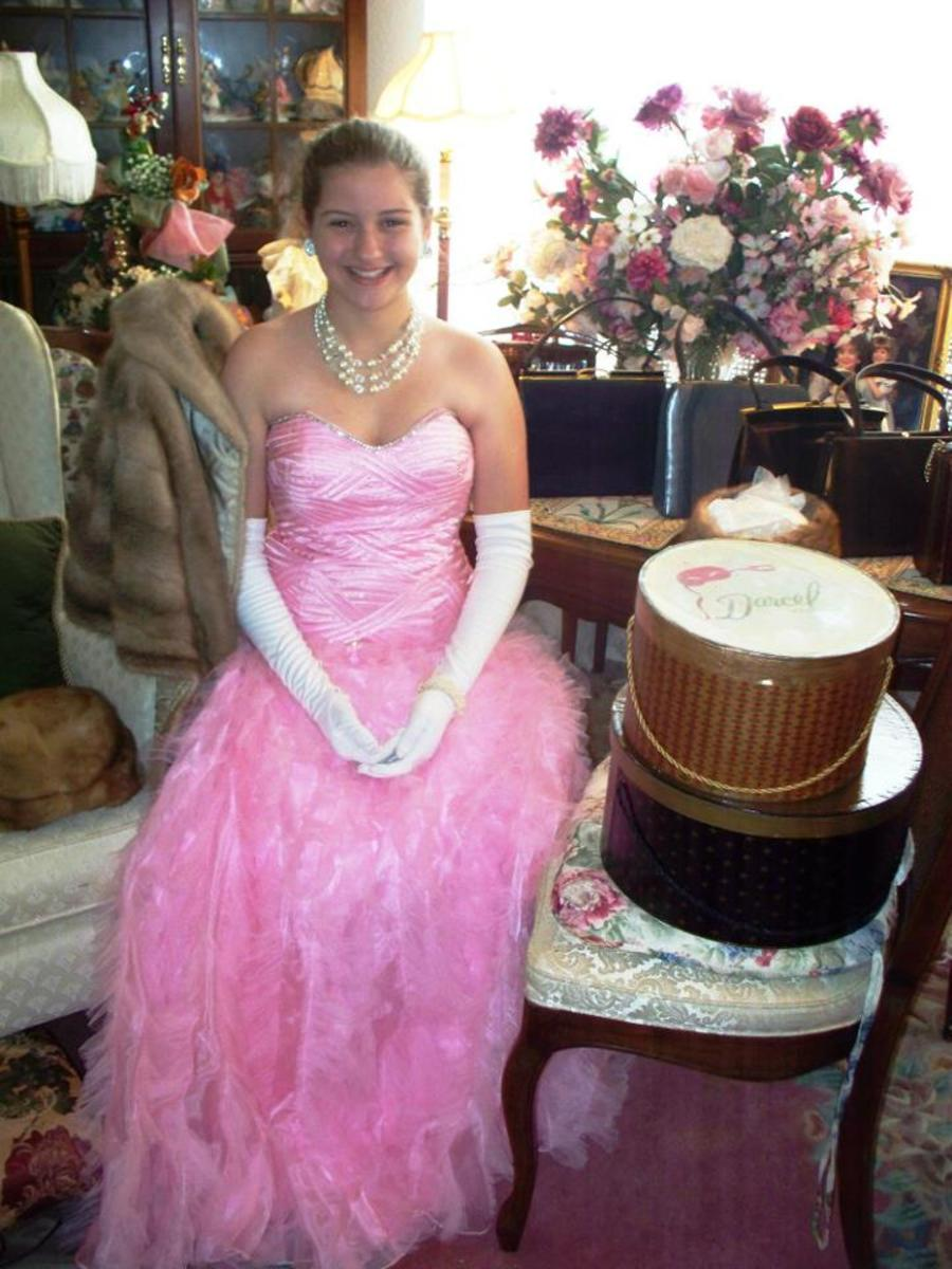 Here is a beautiful Oleg Cassini Ball Gown, with vintage accessories acquired from EBay from Bamberger's Department Store.