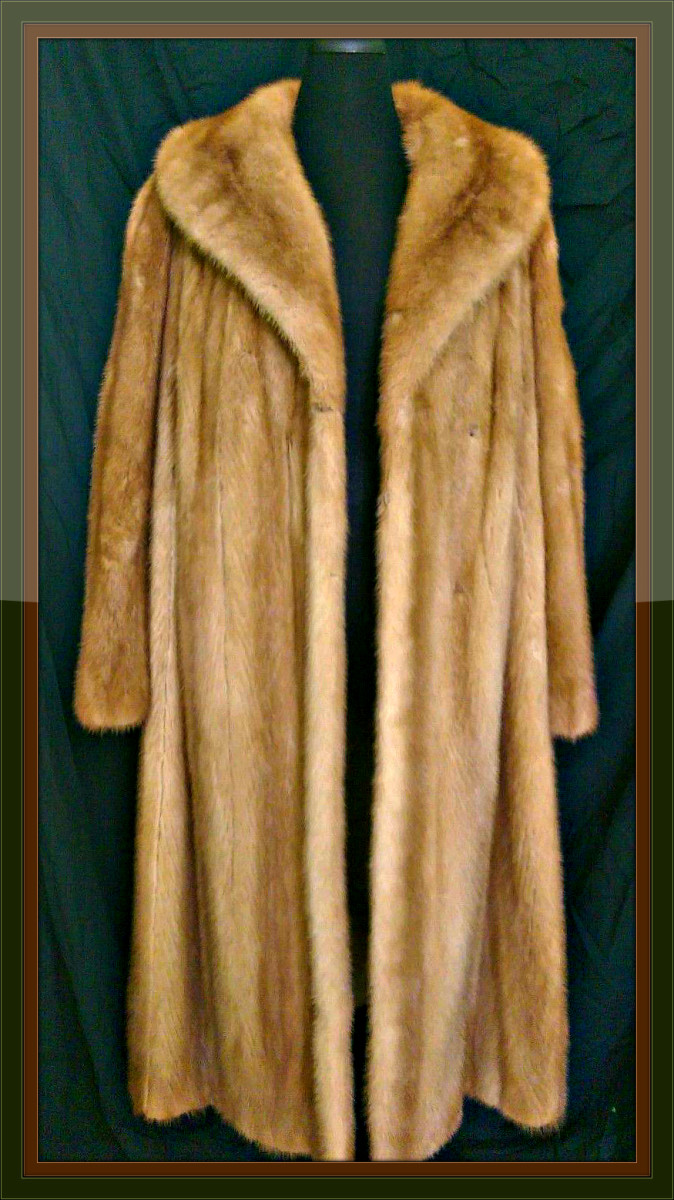 1950s Autumn Haze Pastel Natural Mink Fur Coat with a nice Collar