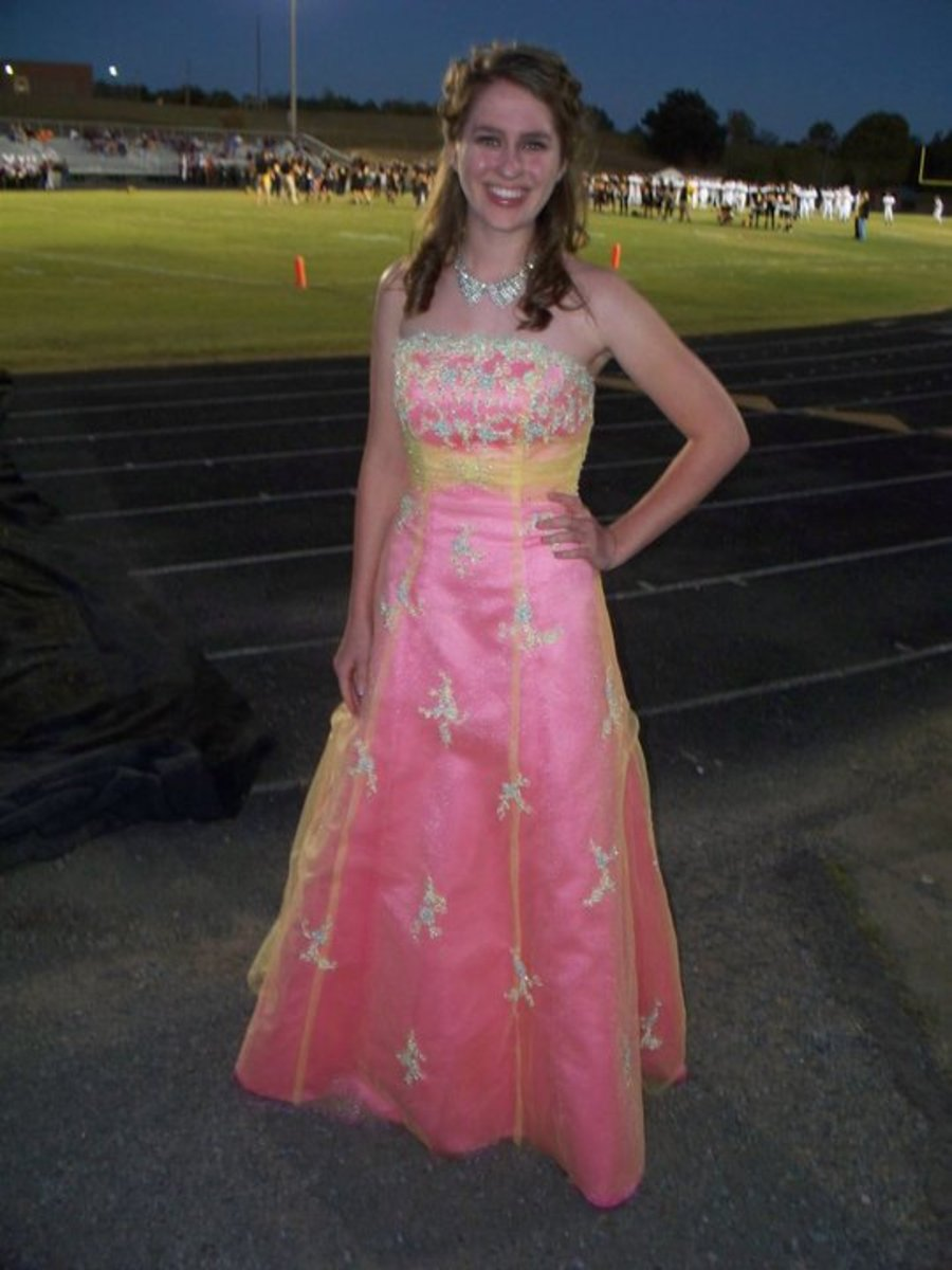 If you are in a Homecoming Court, or up for Queen, nothing can make you the most remembered beauty on the football field that night than a sumptuous and well-made vintage gown.