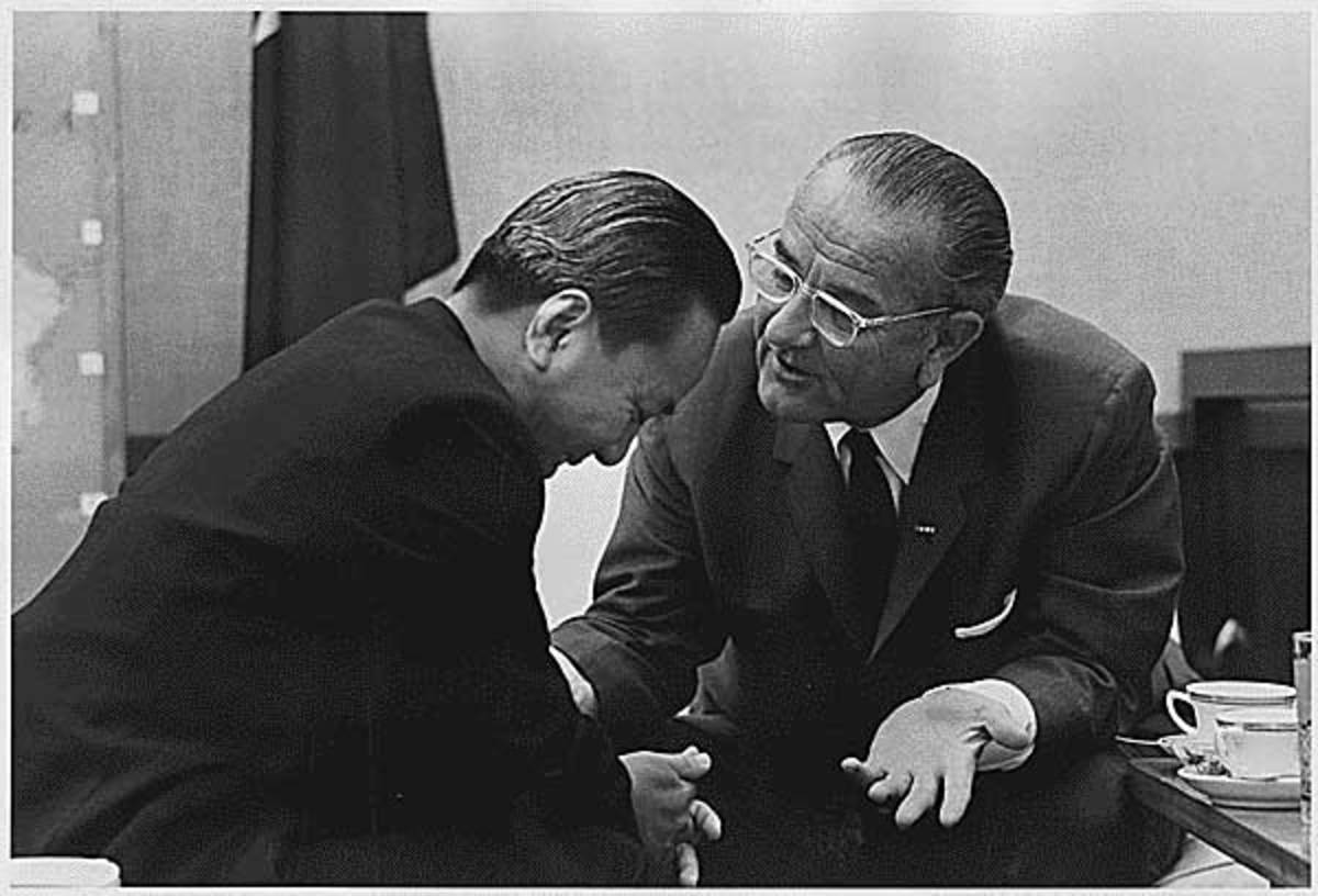 1964 - President Nguyen Van Thieu (South Vietnam) and President Lyndon B. Johnson.