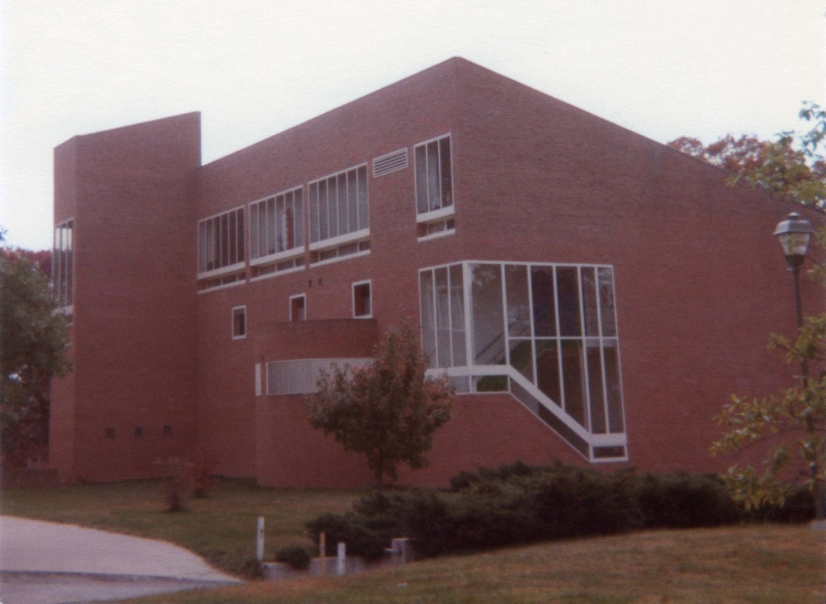 """The newer Traylor Art Building connected to the older Rogers Building via a glass hallway. This was one of the author's main """"haunts"""" for four years."""