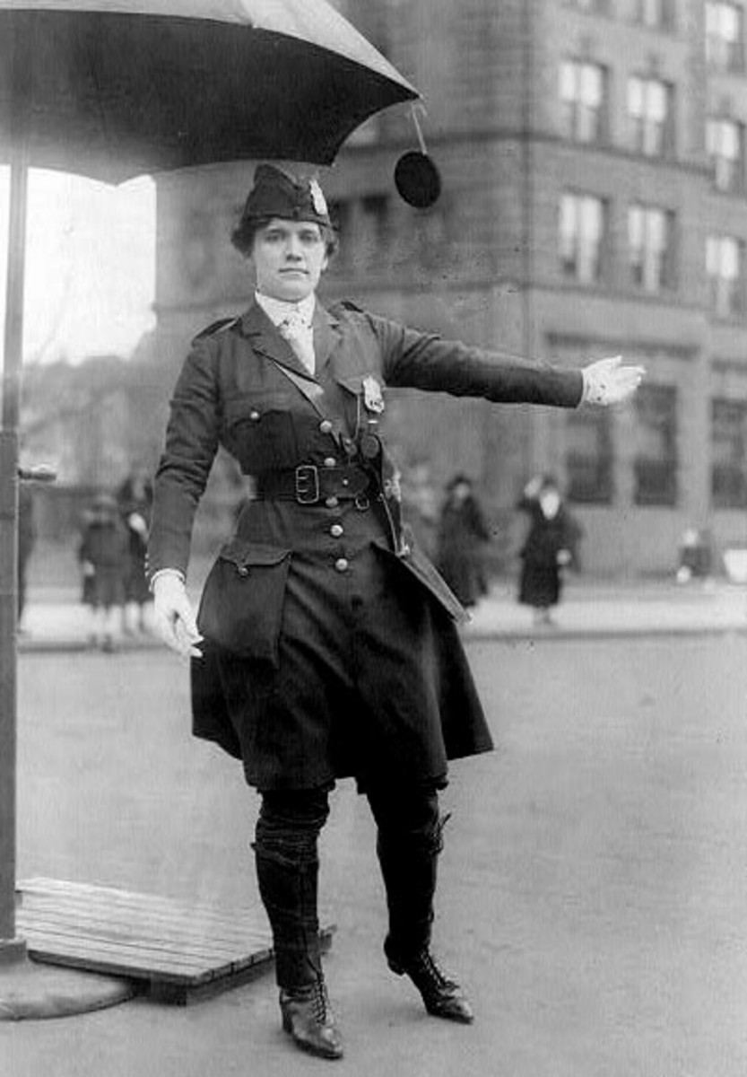 Police Woman 1918, unknown location in US
