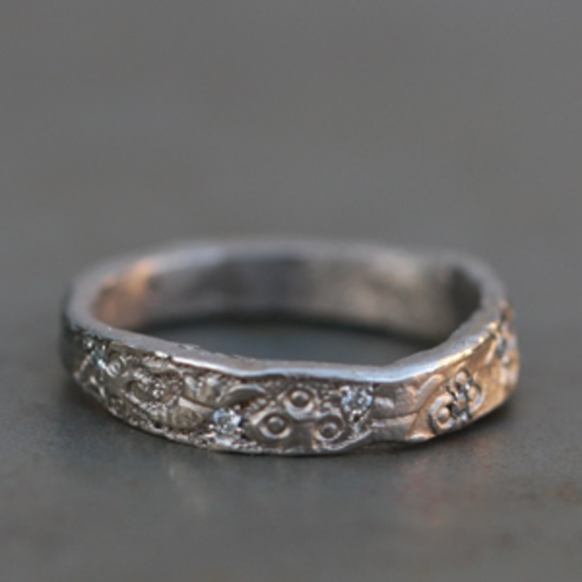 Grey Gold and small diamonds Ring