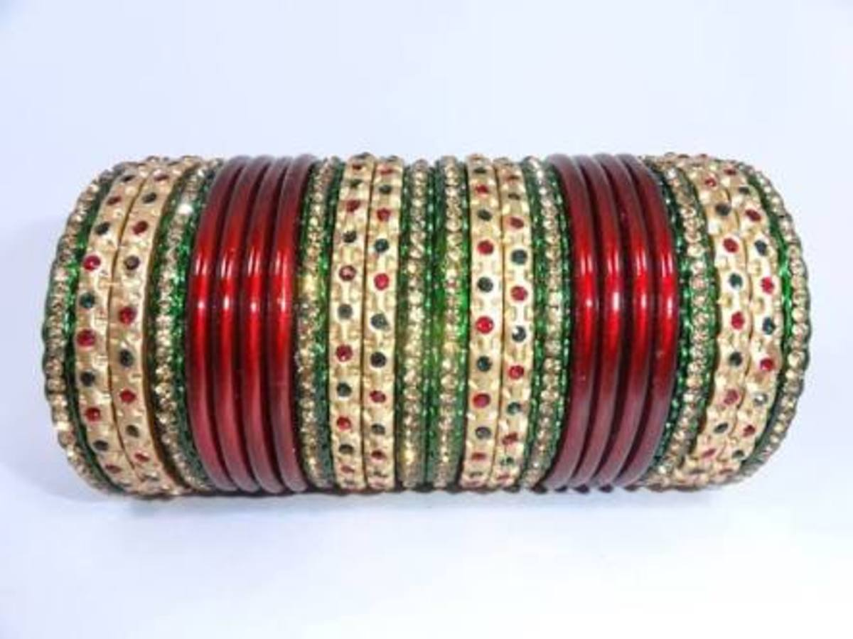 You can combine the colours of bangles according to your dress