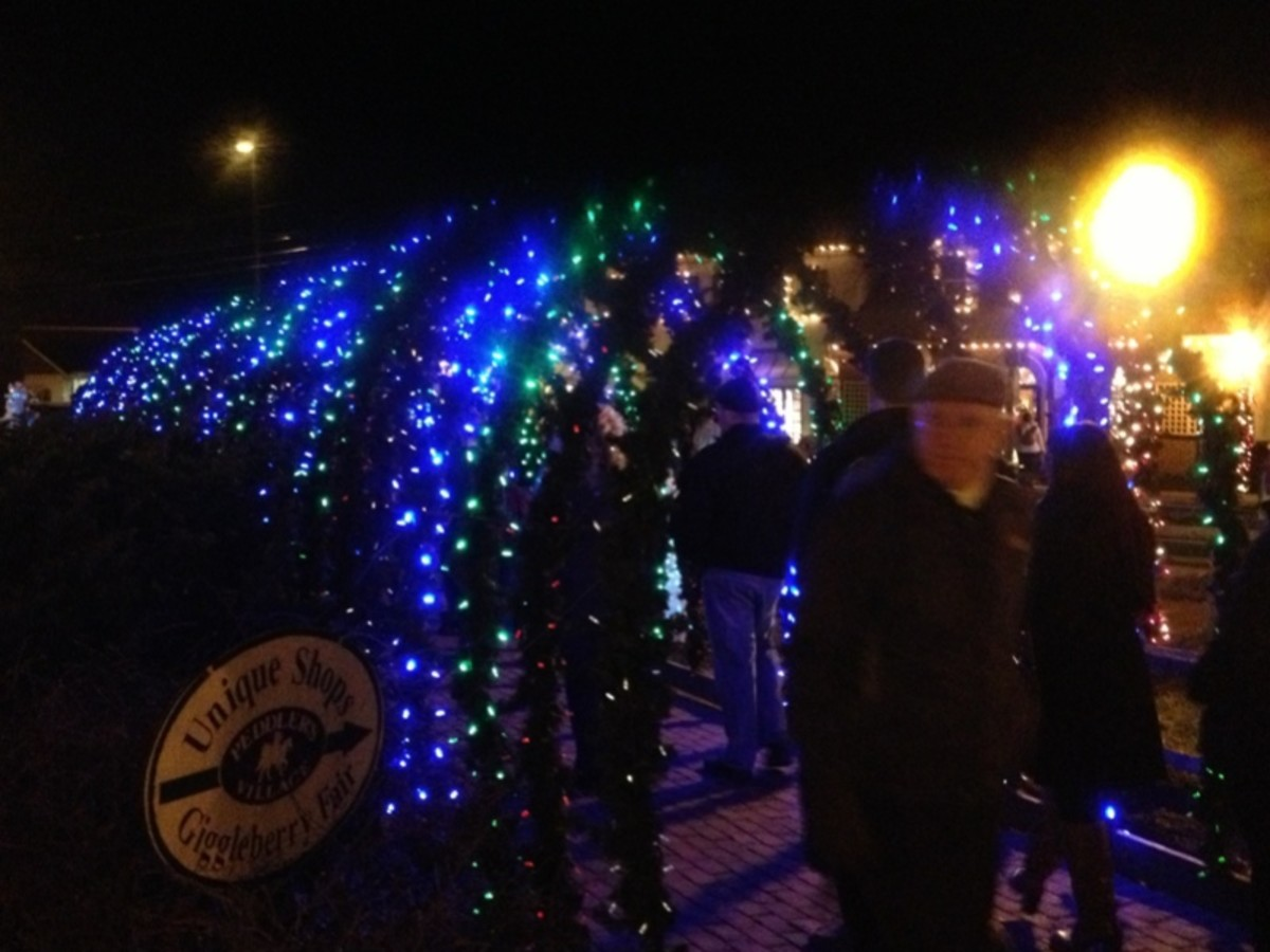 Peddler's Village Lighted Walkway