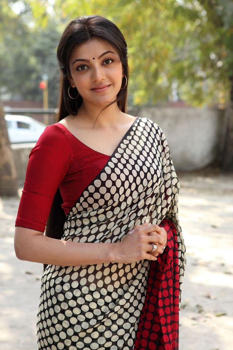 Kajal Aggarwal The Cute Face Girl -- Saree girl - Unseen ...