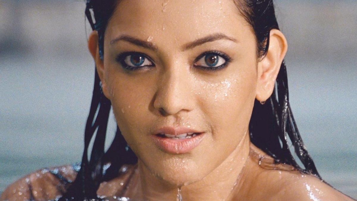 Kajal Aggarwal The Cute Face Girl -- Saree girl - Unseen Pics, photos, Videos and more