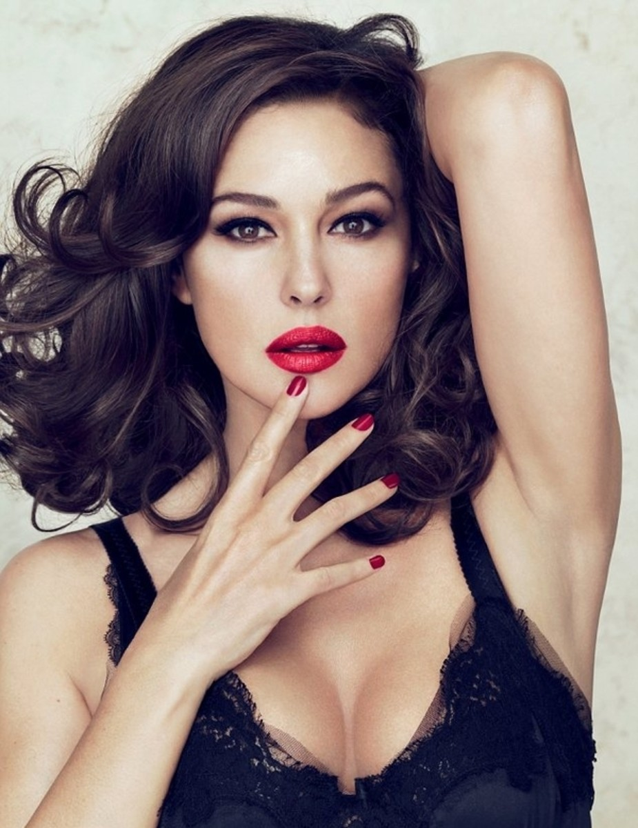 Monica Bellucci - Beautiful Women Over 40