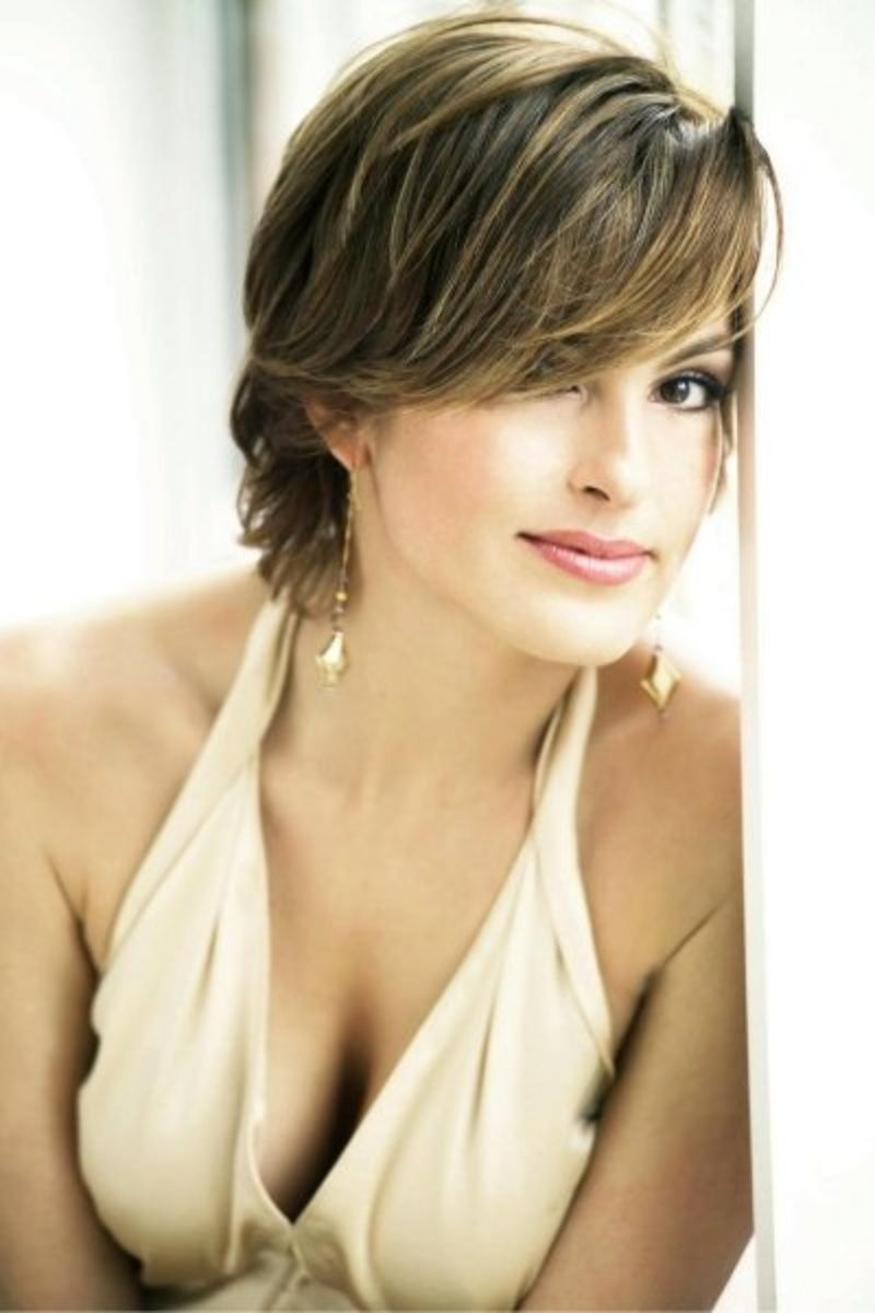 Mariska Hargitay - Beautiful Women Over 40