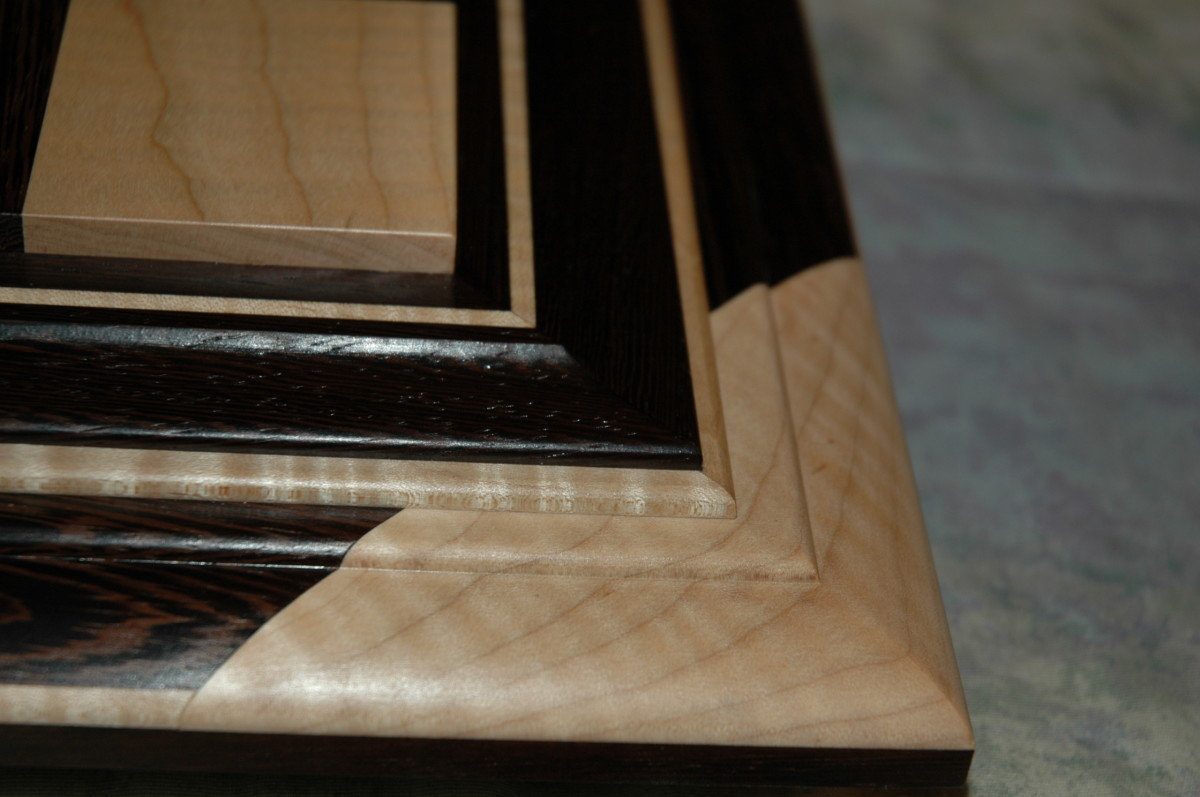 All boards come with genuine ebony wood delimiter