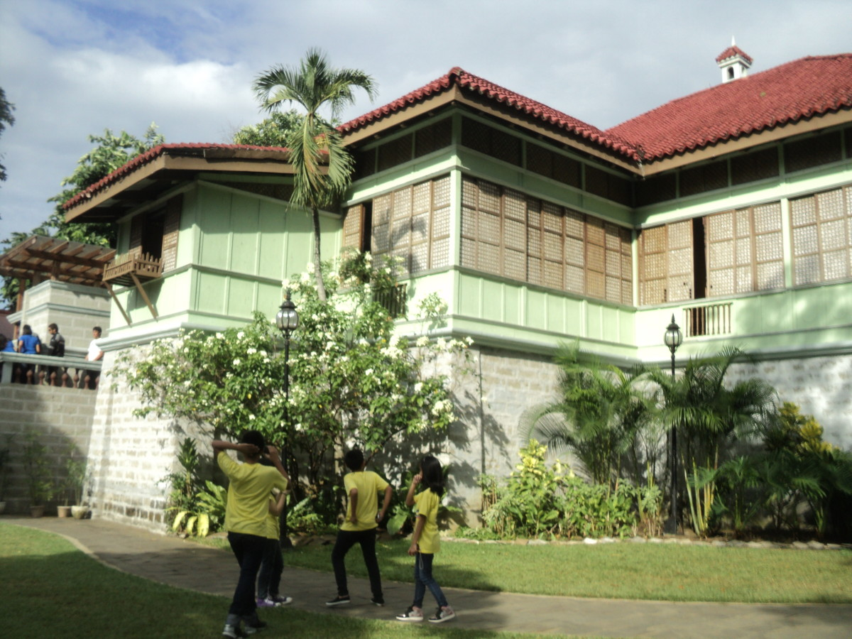 My classmates and I went on a field trip to Rizal's ancestral house in Calamba, Laguna.