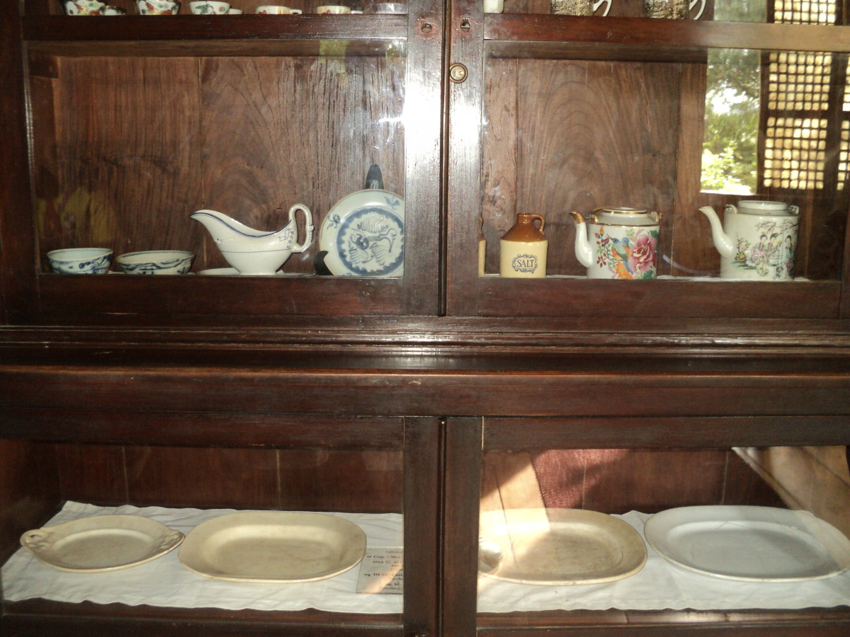 Some of the China and dinnerware found in the house of Rizal.