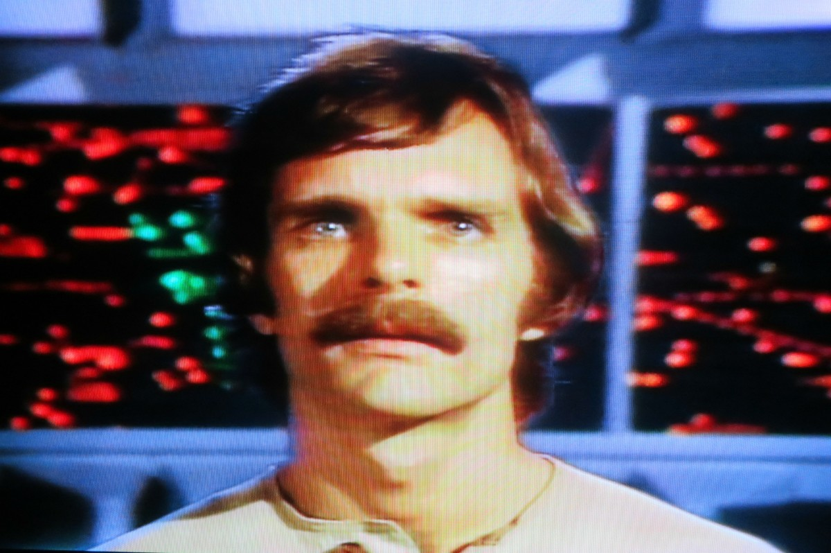 Keir Dullea takes you on a amazing adventure as Devon. It is really cool watching all the differed worlds Devon and his companions explores on the Starlost Ark.