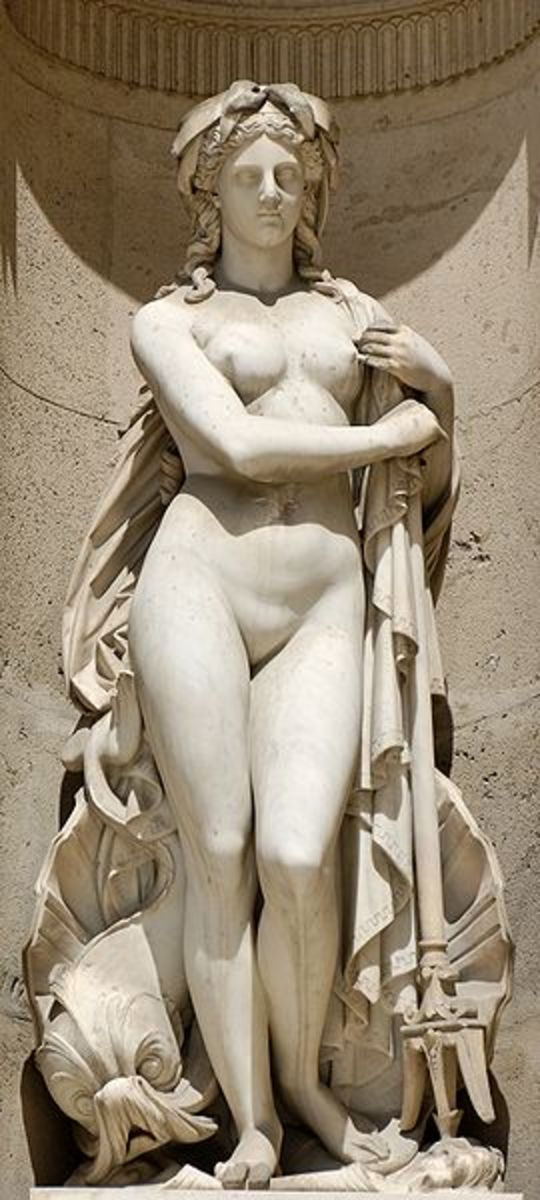 Amphitrite (1866), by François Théodore Devaulx (1808-1870). North façade of the Cour Carrée in the Louvre palace, Paris. Jastrow CC-BY-2.5