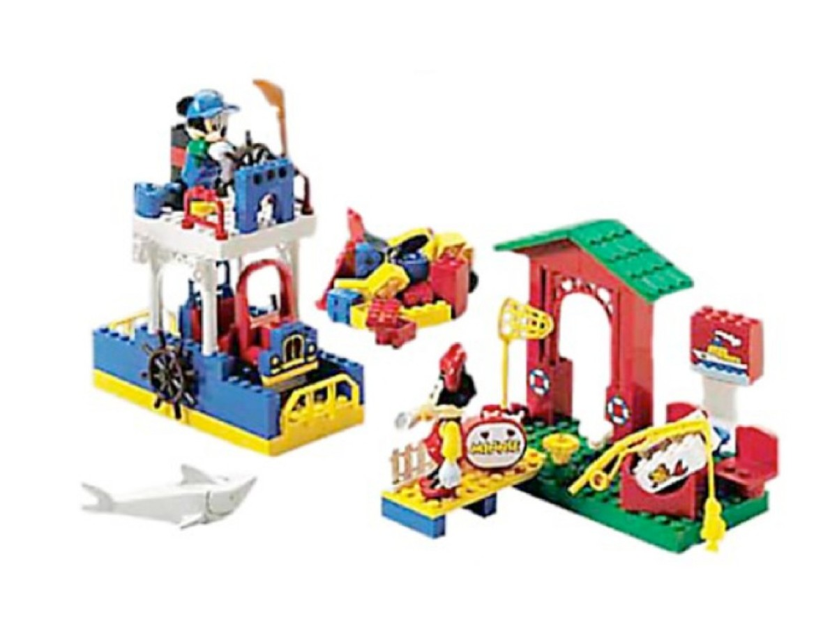 LEGO Mickey Mouse Mickey's Car Garage 4166 Assembled