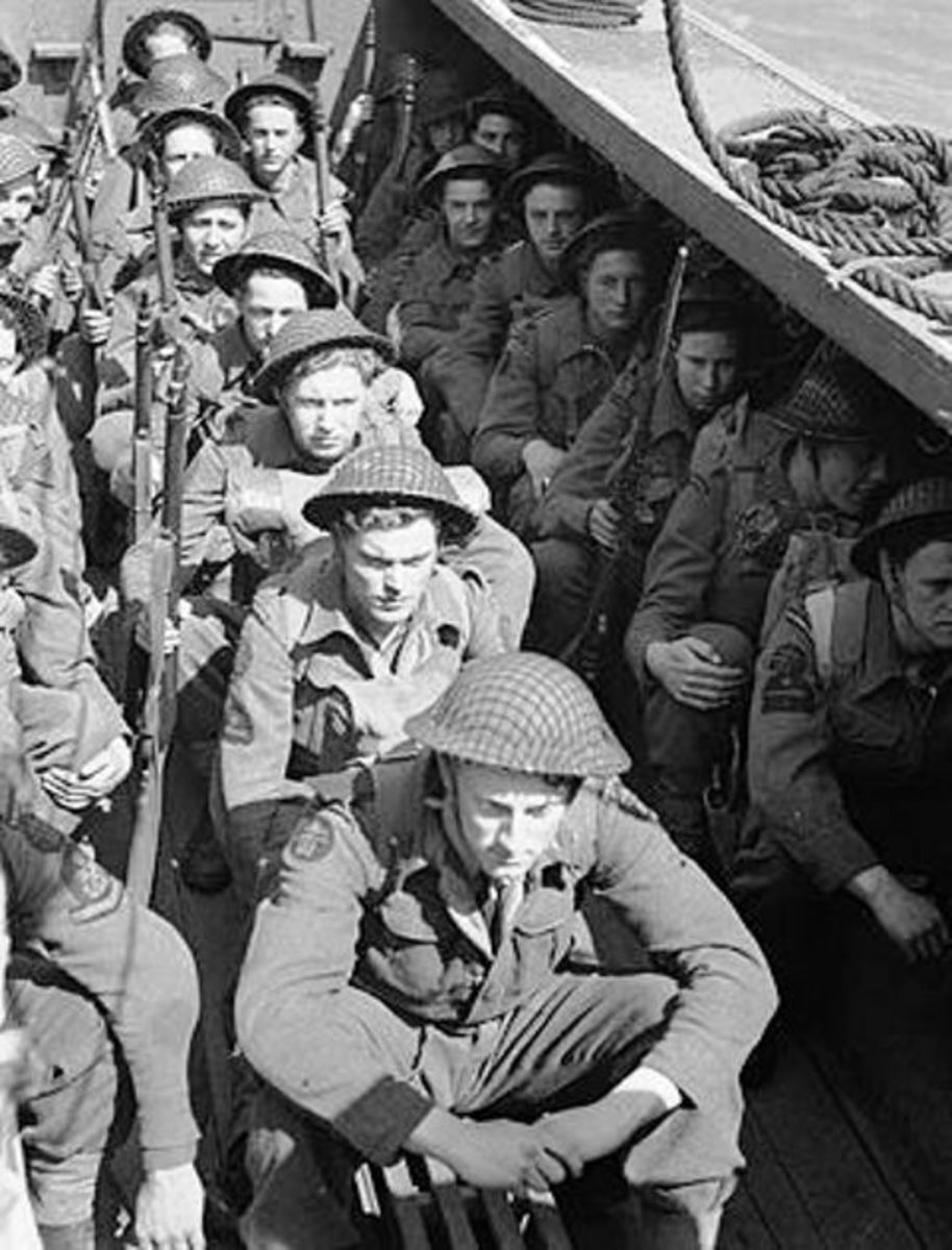 Men of the LCA force embark on the raid on Bardia