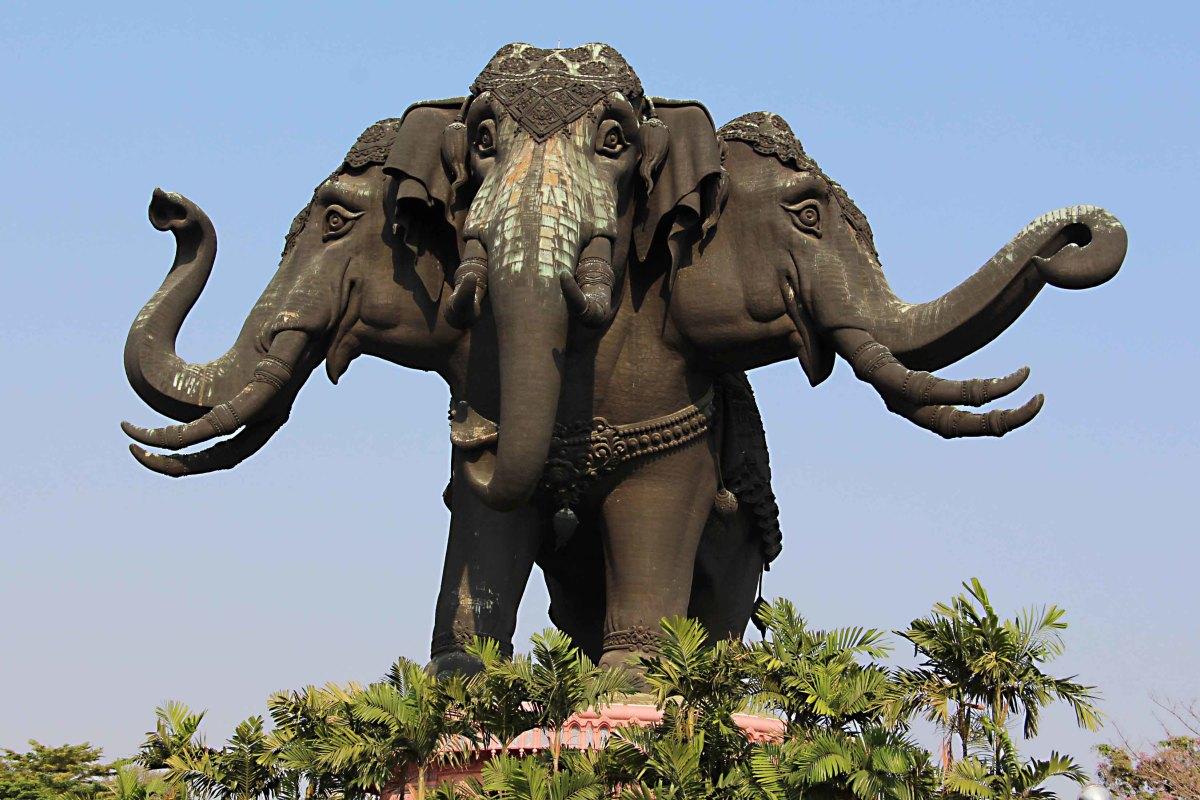 Thailand Pages The Erawan Museum Bangkoks Bizarre Three Headed
