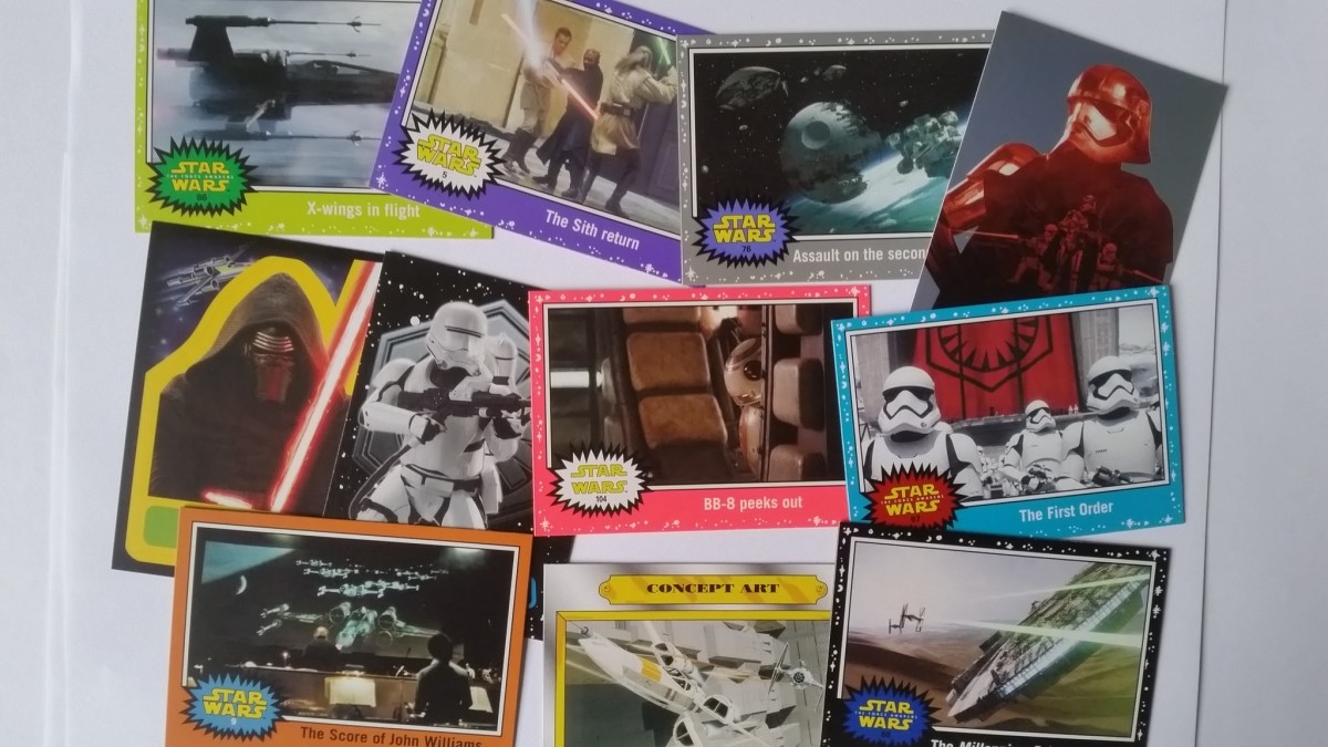 """The US Version of the """"Star Wars - Journey to the Force Awakens"""" above, offer a much wider variety of base and chase cards, including actual scenes from the forthcoming film and also include the chance of autograph & sketch cards. unlike the UK set."""
