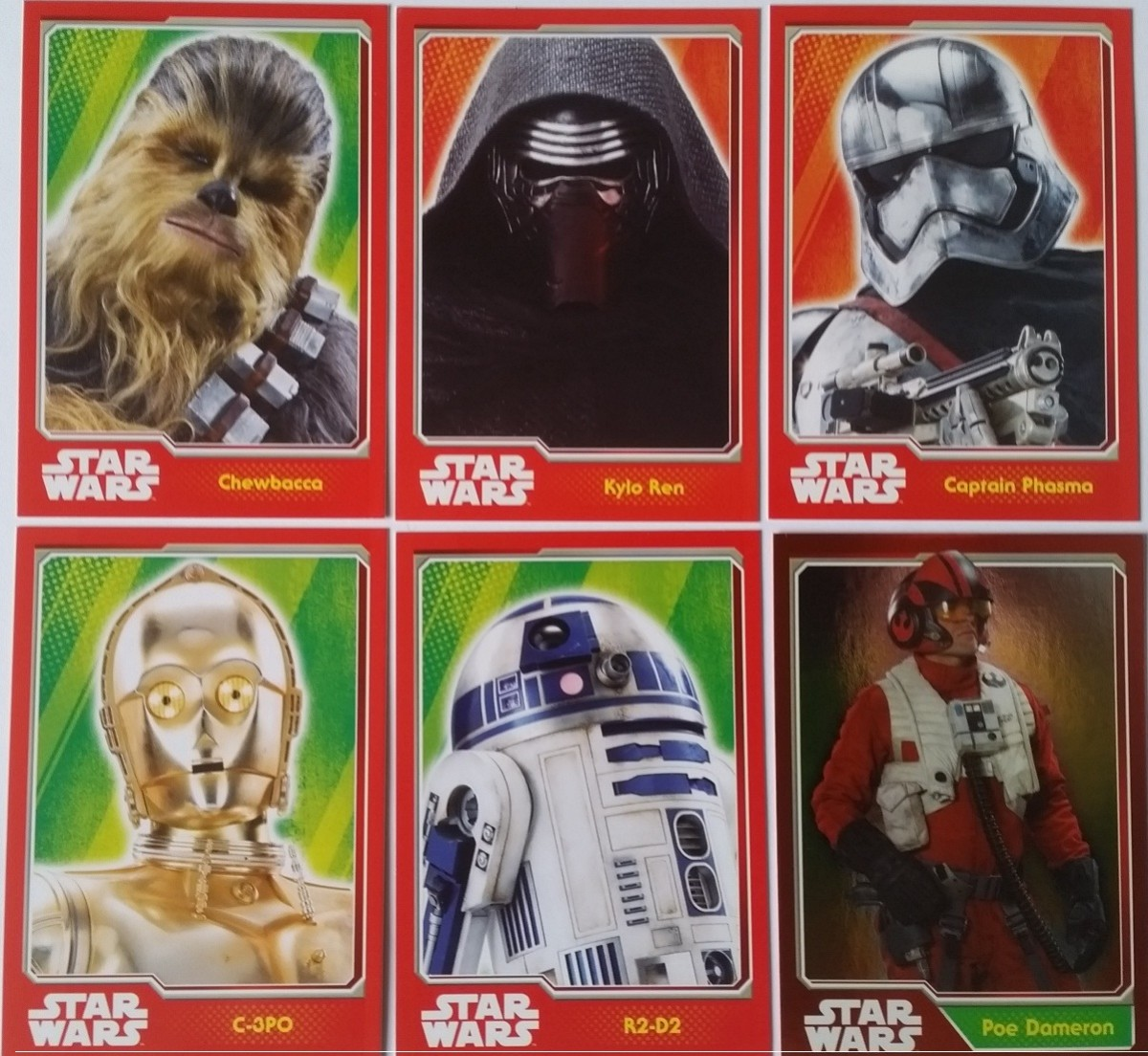 The Force Awakens (Preview) Cards contain character images rather than scenes from the film