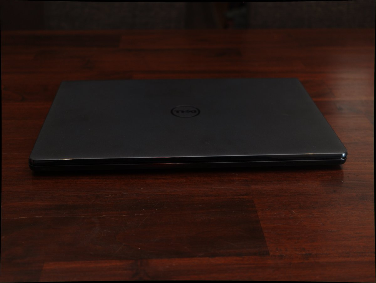 The Dell inspiron 15 3000 ubuntu: Front