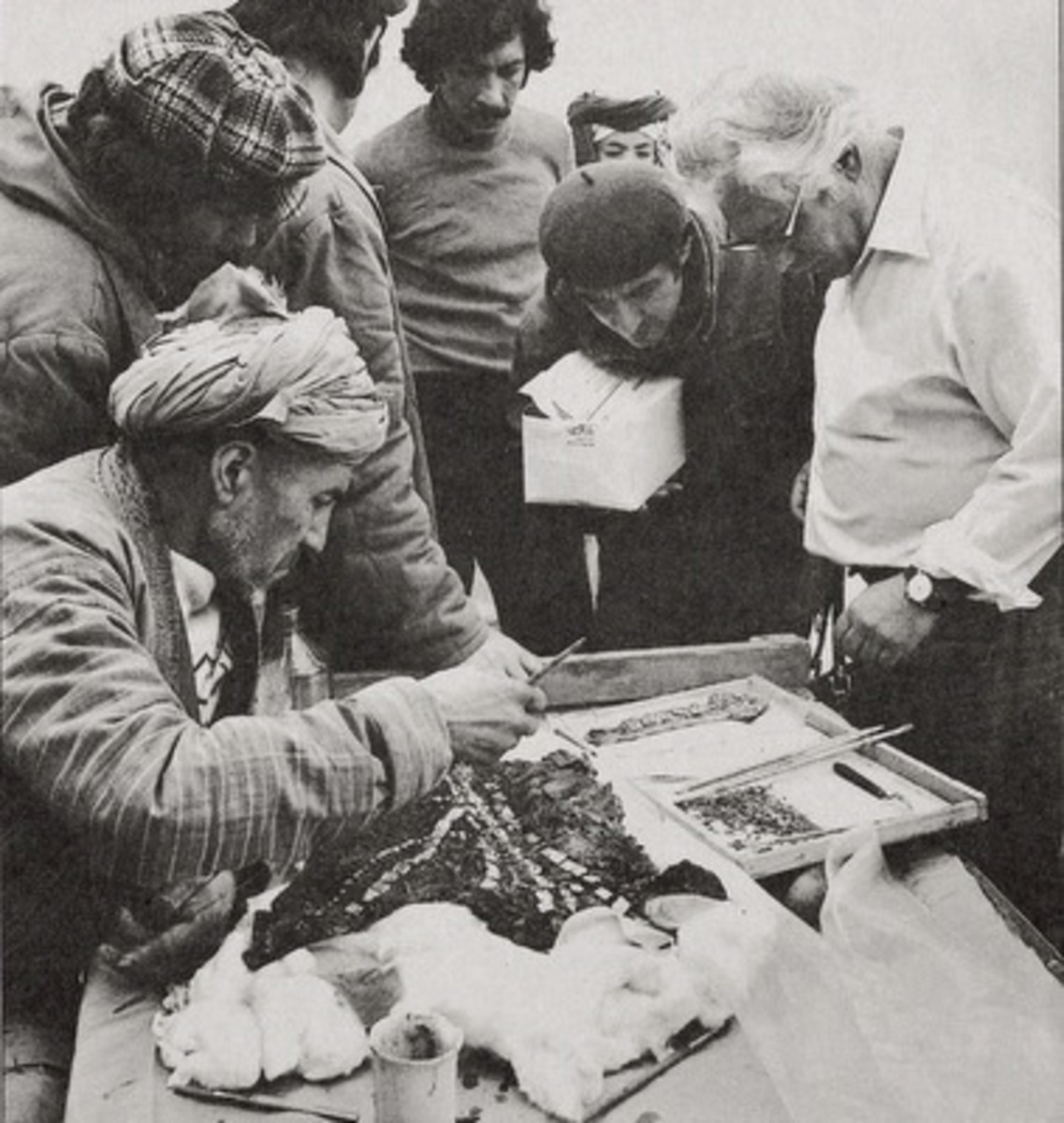 Excavations at Tillya Tepe 1978 by Russian archaeologist Viktor Sarianidis - Six golden burials from the second quarter of the 1st century AD were found amongst the ruins of an older Bronze Age fortress - © Viktor Sarianidi, National Museum of Afghan