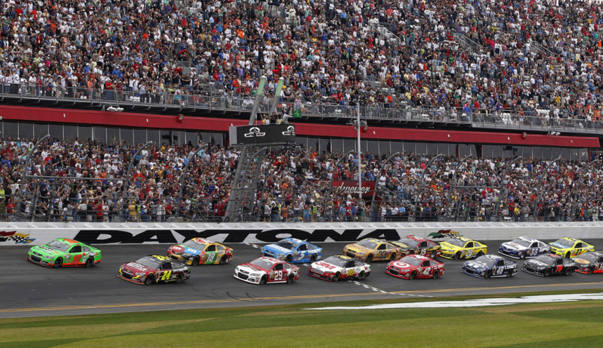 The Green Flag of the 2015 Daytona 500