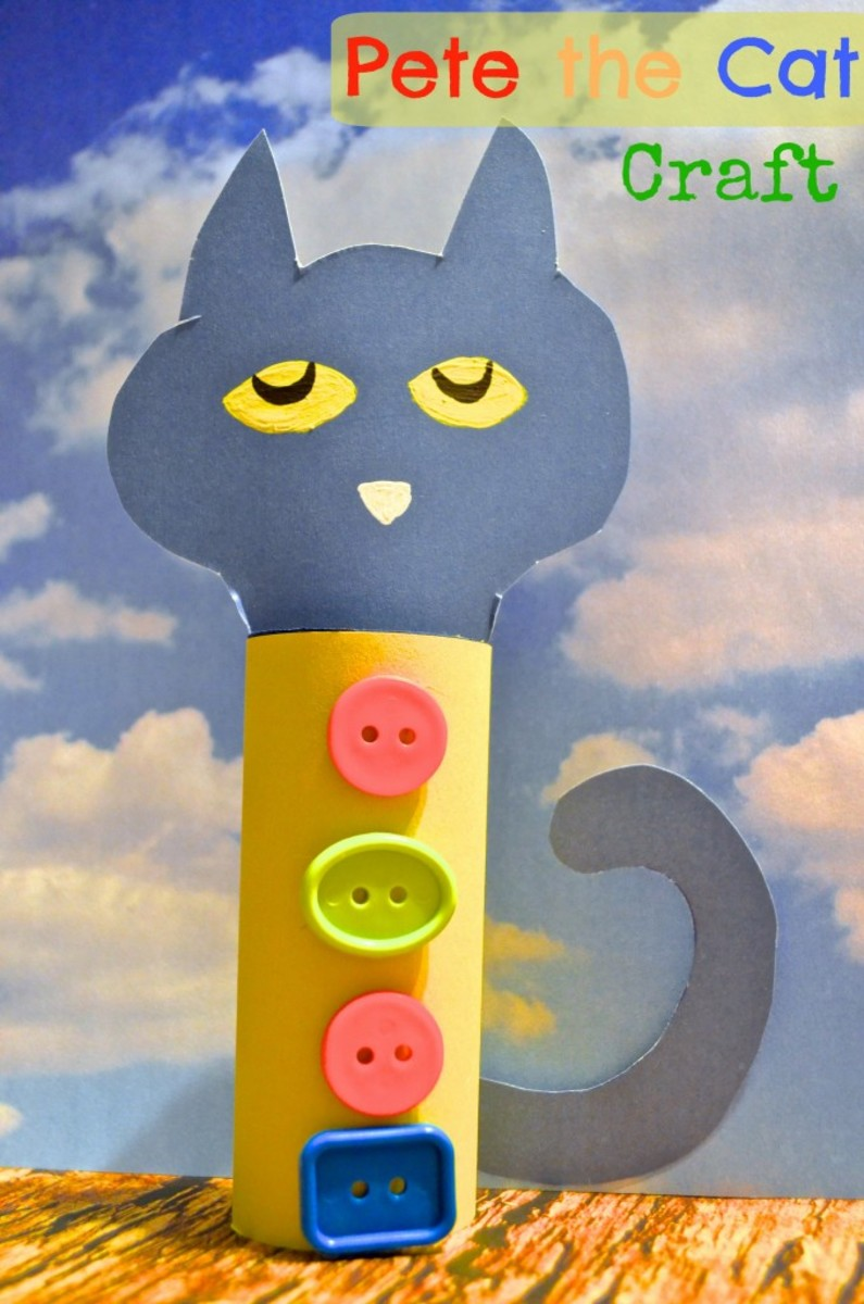 Make this cat craft idea with a craft roll and some groovy buttons.