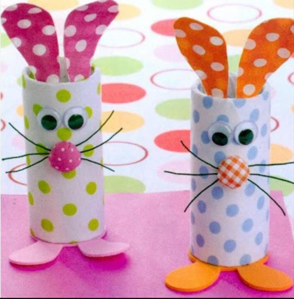These pretty little Easter Bunnies were made with craft rolls, dotted tissue paper and foam.  Aren't they cute as can be?  I love craft rolls when I am making craft projects with my kids.